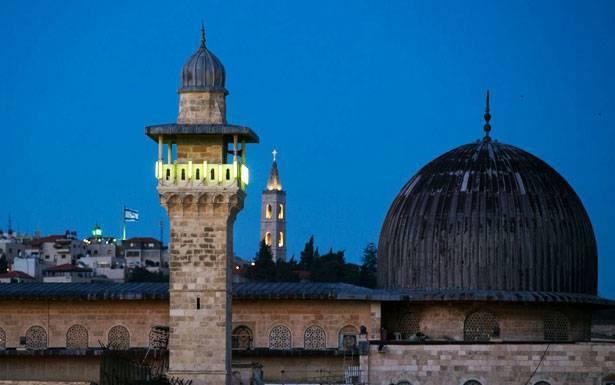 كنائس الناصرة ترد على الاحتلال برفع الآذان رفضا لقرار منعه في القدس