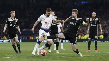 أياكس أمستردام يواصل سلسلة مفاجآته في دوري الأبطال