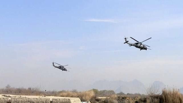 مروحيات مجهولة تزود طالبان وداعش بالأسلحة في أفغانستان