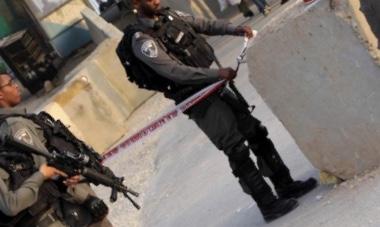 نصب حاجزا وهميًا.. اعتقل فلسطينيين وسرق مركبتهم