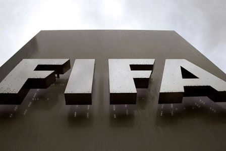 الفيفا يغرم الإتحاد الإسباني في قضية اللاعبين القاصرين
