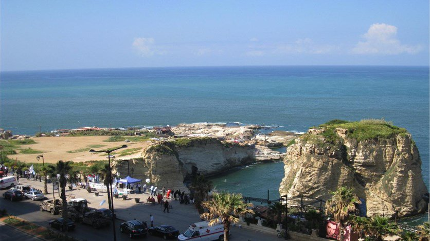 بالصورة- تحاليل للجامعة الاميركية في بيروت: مياه لبنان صالحة للسباحة