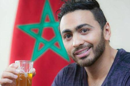 مطار القاهرة يمنع تامر حسني من السفر إلى تركيا
