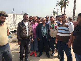 بالصور.. أسامة سعد يحاور الصيادين في ميناء صيدا والباعة والحرفيين في الأسواق القديمة