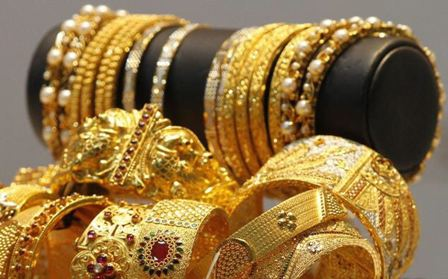 عصابة تسرق المجوهرات بعد تخدير الباعة!
