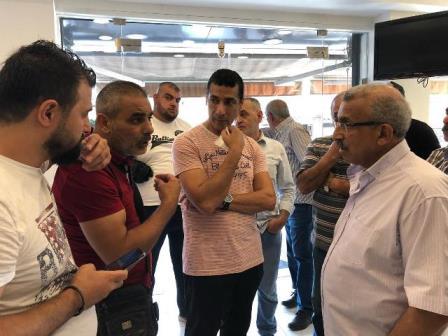 بالصور..أسامة سعد يجول مستطلعاً أوضاع الناس في حي البراد في صيدا