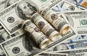 عقوبات أميركية جديدة... وموسكو تدرس «بدائل» الدولار