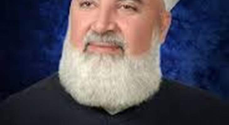 إصابة مفتي دمشق الشيخ عدنان افيوتي باستهداف سيارته بعبوة ناسفة