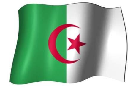 رويترز: طائرة بوتفليقة تغادر الجزائر الى جهة مجهولة