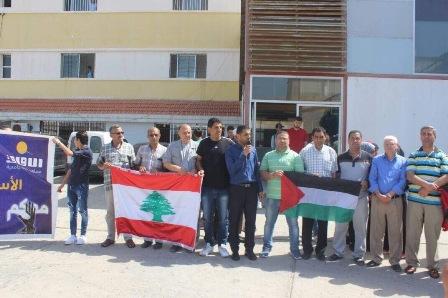 وقفة تضامنية في صور مع الاسرى المضربين عن الطعام في سجون الاحتلال