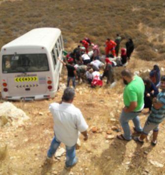 جرح 14 طالبا بانقلاب باص يقلهم الى مرجعيون في رحلة سياحية