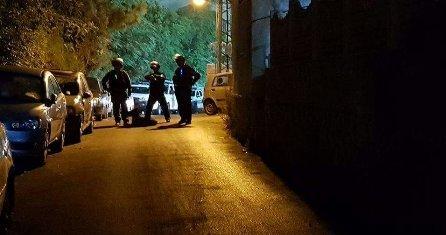 شرطة العدو الاسرائيلي تقتحم مسجد الفاروق بأم الفحم وتنفذ اعتقالات