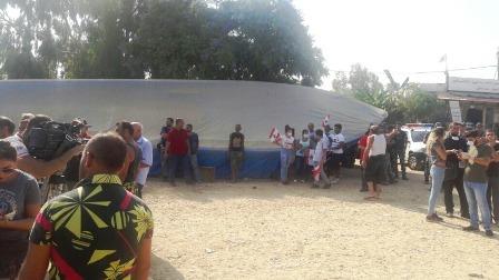 اعتصام لصيادي الأسماك على طريق مكب برج حمود