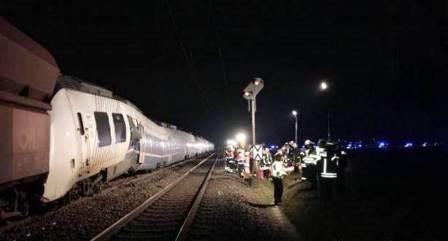عشرات الجرحى  في اصطدام قطارين في المانيا