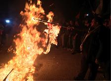 وقفة شبابية في صور تضامنا مع القدس
