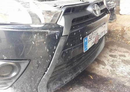 مجهولون ألقوا قنبلة على سيارات تابعة للشيخ النقري في عرمون والاجهزة الامنية باشرت التحقيقات لتوقيف المعتدين