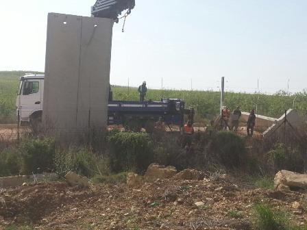 جيش العدو الاسرائيلي باشر ببناء جدار الفصل عند الحدود مقابل كفركلا العديسة