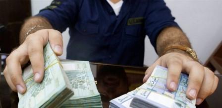 الدولار لن ينخفض وتحذير من الأسوأ.. 'لا أحد يستطيع وقف انهيار الليرة'