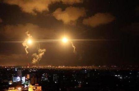 غارات للعدو الاسرائيلي على غزة فجراً ووقوع اصابات...