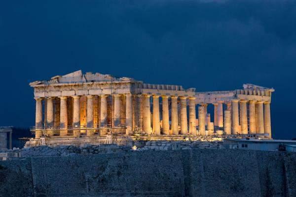 اليونان: انقطاع الكهرباء يؤثر في شبكة قطارات الأنفاق ومناطق بأثينا