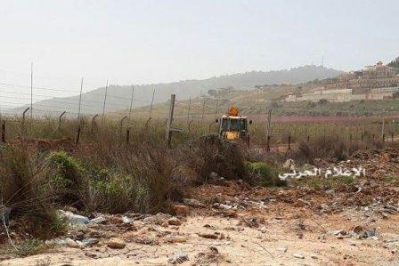 العدو الإسرائيلي يستأنف الأشغال على الحدود الجنوبية.