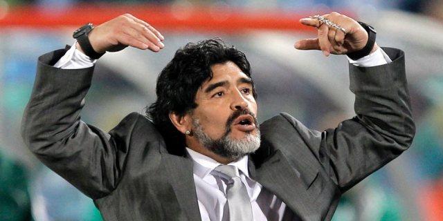 مارادونا نجم تراندز والملاعب