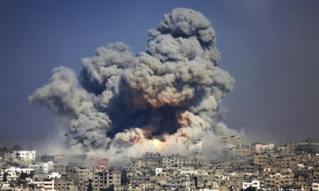 غزة: استشهاد شاب في قصف للاحتلال