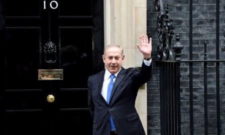 نتنياهو زاعمًا عن المتظاهرين الغزيين: ليسوا عزلا