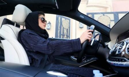 السعودية تشدد إجراءاتها على النساء قُبَيل سريان انتهاء الحظر