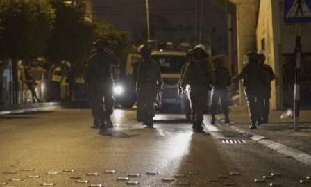مواجهات بالضفة والاحتلال يعتقل 7 فلسطينيين