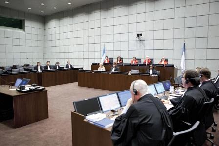 ضربة قاضيـ(ـة) للمحكمة الدولية القاضي روبرت روث: المحكمة الدولية تخضع للقرار السياسي لا للمعايير القانونية