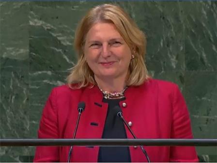 لهذا السبب افتتحت وزيرة خارجية النمسا خطابها بالعربية؟