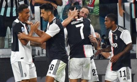 في مباراة مجنونة: يوفنتوس يفوز على نابولي بشق الأنفس