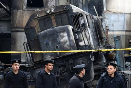 مصر | مأساة في «المحروسة»: «الغلابى» يموتون حرقاً ووزير النقل يستقيل