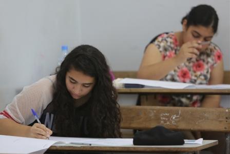 حرمان المئات من التقدم للامتحانات اليوم: 1700 ضحية لنصّابي المدارس والوزارة