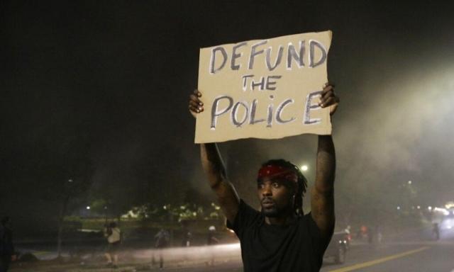 في واقعة جديدة: شرطي يقتل أميركيا أسود في أتلانتا