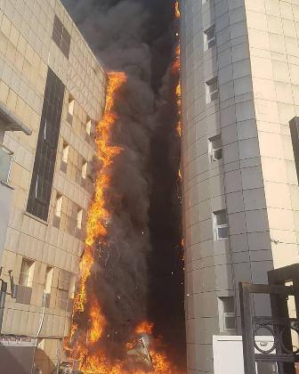 بالفيديو والصور- حريق هائل في مستشفى باسطنبول!