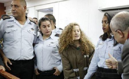 الاحتلال يرفض طلب محامية عهد التميمي بالإفراج المبكر عنها