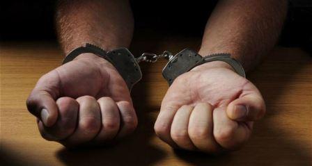 القبض على أربعة شبان متلبّسين وهم يتعاطون المخدرات