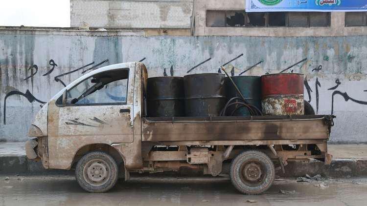 سوريا تعلن عن إجراءات جديدة لمنع تهريب البنزين إلى لبنان