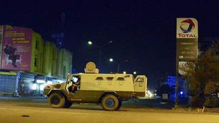 وصول جثمان أحد اللبنانيين الضحايا في اعتداء بوركينا فاسو إلى بيروت
