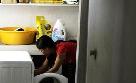 قصص العاملات المعنفات في المنازل تتكرر في لبنان..