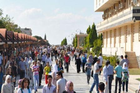 إيقاف أساتذة جامعيين في سوريا بسبب التزوير والتلاعب بعلامات الطلاب