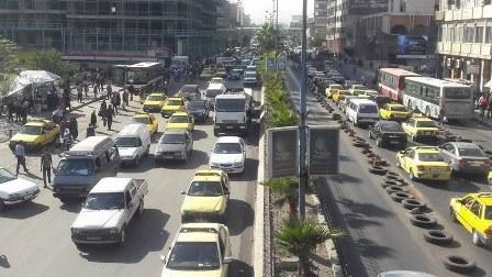 لأول مرّة في سوريا.. نساء يعملن سائقات لحافلات حكومية!