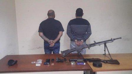 توقيف مروجي مخدرات وضبط كمية من الأسلحة