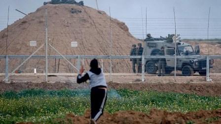 قوات الاحتلال الاسرائيلي تقتحم مخيم الدهيشة جنوبي بيت لحم واصابة رضيع واعتقال جريح وأسير محرر