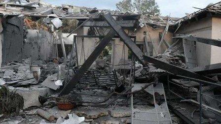 سقوط صاروخ على منزل بمستوطنة شمالي تل ابيب ووقوع اصابات