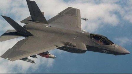 تصادم طائرتي تدريب عسكريتين في قطر ونجاة الطيارين