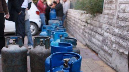 سوريا تعد مواطنيها بشتاء دافئ...