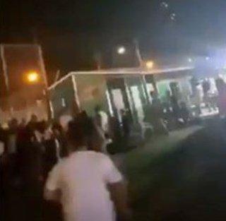 فيديو... هلع ورعب بعد سقوط صاروخ فلسطيني قرب حفل لمستوطنين إسرائيليين